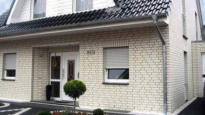 Облицовка фасадов зданий сайдингом и кирпичом. - main